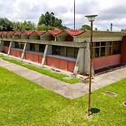 IDEA <br /> Esta institución pública al servicio de la sociedad renació en 1999 con la llegada del Gobierno Bolivariano de Hugo Chavez. Hoy en día llevan a cabo 49 proyectos científicos en donde los conocimientos de 120 investigadores se fusionan para así desarrollar tecnología, productos y servicios<br /> Hoyo de La Puerta, Sarteneja - Venezuela 2007<br /> (Copyright © Aaron Sosa)