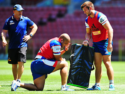 Cape Town 180215 Stomers assitant coach Paul Feeney giving instructions to players as they practice for their Super 15  game  on saterday against Jaguares.  . Picture:Phando Jikelo/African News Agency(ANA)