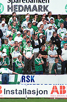 Hamkam-supportere. Kongsvinger - Hamkam 1-1. 1. divisjon 2000, 1. juni 2000. (Foto: Peter Tubaas/Fortuna Media AS)