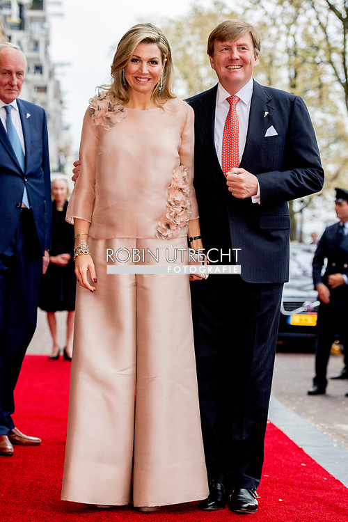 5-5-2017 AMSTERDAM - King Willem-Alexander, Queen Maxima and Prime Minister Rutte will attend the 5th May concert in Amsterdam on the occasion of the closing of the National Celebration Liberation. The concert takes place traditionally on and around the Amstel for Royal Theater Carré. COPYRIGHT ROBIN UTRECHT<br /> <br /> 5-5-2017 AMSTERDAM - burgemeester Eberhard van der laan Koning Willem-Alexander,  Koningin Maxima en minister-president Rutte  wonen 's avonds in Amsterdam het 5 mei-concert bij ter gelegenheid van de afsluiting van de Nationale Viering Bevrijding. Het concert vindt traditiegetrouw plaats op en rond de Amstel voor Koninklijk Theater Carré. COPYRIGHT ROBIN UTRECHT