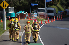 Tauranga-Digger damages gas main closing Waihi Road