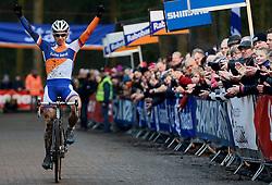 12-01-2014 WIELRENNEN: STANNAH NK CYCLOCROSS: GASSELTE<br /> Winnaar Lars van der Haar heeft zijn nationale titel bij het veldrijden met succes verdedigd. <br /> &copy;2014-FotoHoogendoorn.nl