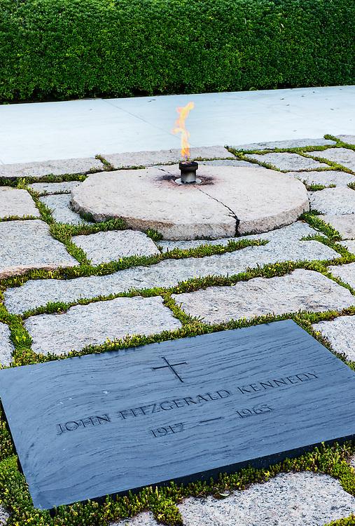 John F Kennedy Grave and Eternal Flame, Arlington Cemetery, Virginia, USA