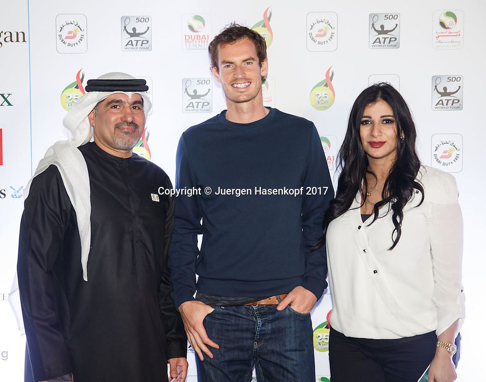 Turnierdirektor und seine Frau mit ANDY MURRAY (GBR) auf der  Players Party<br /> <br /> Tennis - Dubai Duty Free Tennis Championships - ATP -  Players Party - Dubai -  - United Arab Emirates  - 28 February 2017. <br /> &copy; Juergen Hasenkopf