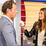 NLD/Hilversum/20170622 - Perspresentatie NOS Tour de France, Herman van der Zandt word geinterviewd door Lisa Michels van SBS Shownieuws