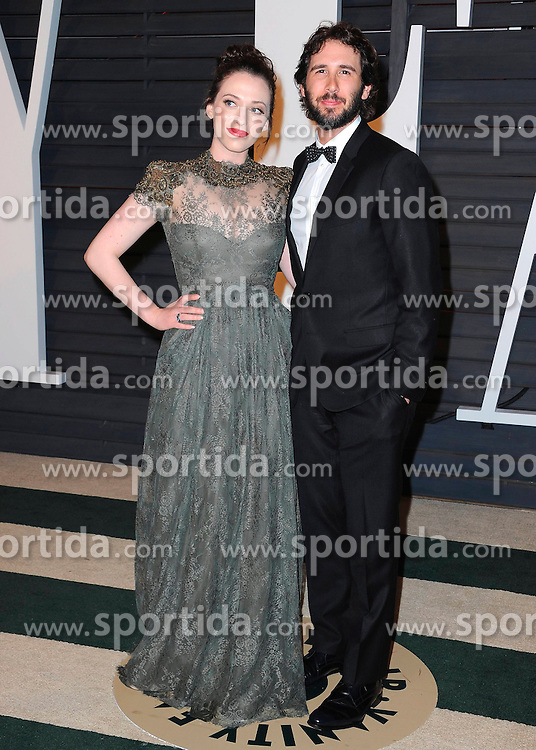 22.02.2015, Wallis Anneberg Center for the Performing Arts, Beverly Hills, USA, Vanity Fair Oscar Party 2015, Roter Teppich, im Bild Kat Dennings and Josh Groban // during the red Carpet of 2015 Vanity Fair Oscar Party at the Wallis Anneberg Center for the Performing Arts in Beverly Hills, United States on 2015/02/22. EXPA Pictures &copy; 2015, PhotoCredit: EXPA/ Newspix/ PGSK<br /> <br /> *****ATTENTION - for AUT, SLO, CRO, SRB, BIH, MAZ, TUR, SUI, SWE only*****
