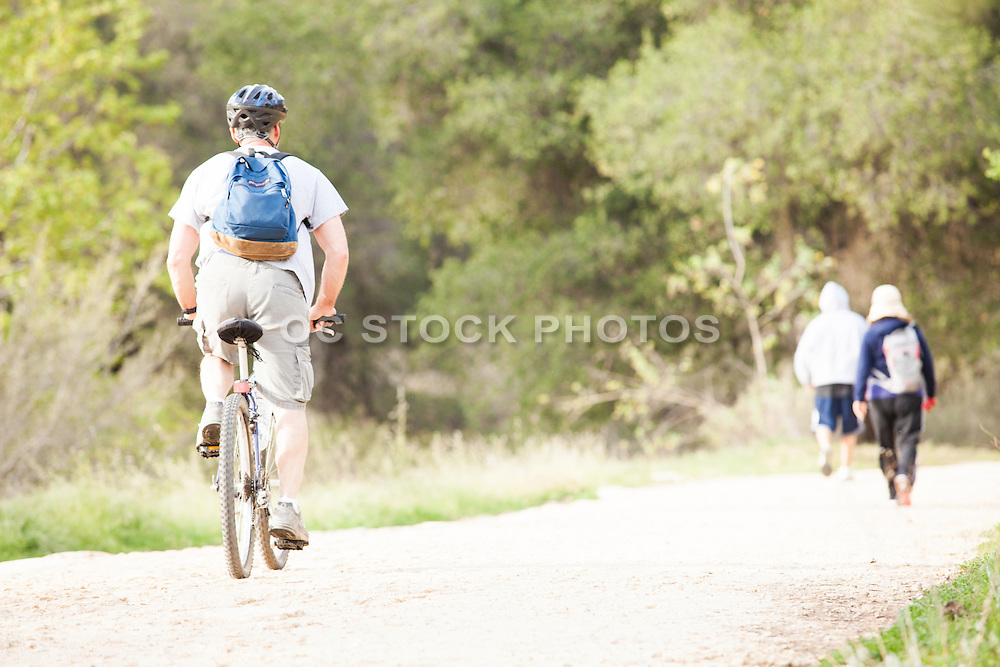 Outdoor Activity at Claremont Hills Wilderness Park in Claremont California
