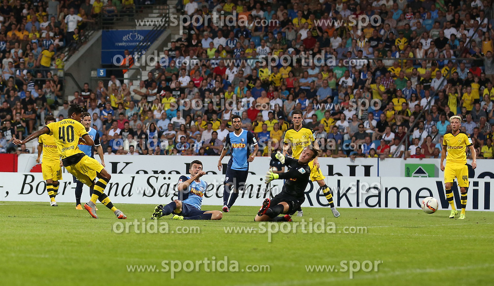 17.07.2015, RewiePower Stadion, Bochum, GER, Testspiel, VfL Bochum vs Borussia Dortmund, im Bild Jeremy Dudziak (Borussia Dortmund #40) mit dem Tor zum 2:1 gegen Torwart Manuel Riemann (VfL Bochum #33) und Jan Simunek (VfL Bochum #6) // during the Interntational Friendly Football Match between VfL Bochum and Borussia Dortmund at the RewiePower Stadion in Bochum, Germany on 2015/07/17. EXPA Pictures &copy; 2015, PhotoCredit: EXPA/ Eibner-Pressefoto/ Schueler<br /> <br /> *****ATTENTION - OUT of GER*****