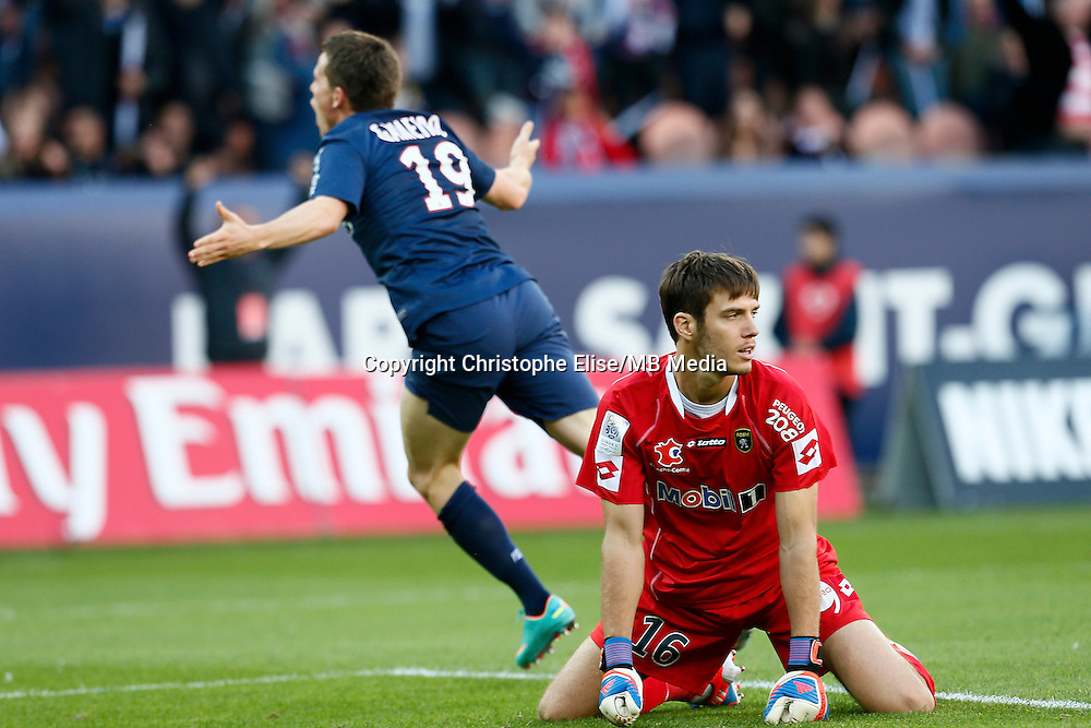 FOOTBALL - FRENCH CHAMPIONSHIP 2012/2013 - L1 - PARIS SAINT GERMAIN VS SOCHAUX - 29/09/2012 - SIMON POUPLIN (SOCHAUX), KEVIN GAMEIRO (PARIS SAINT-GERMAIN)