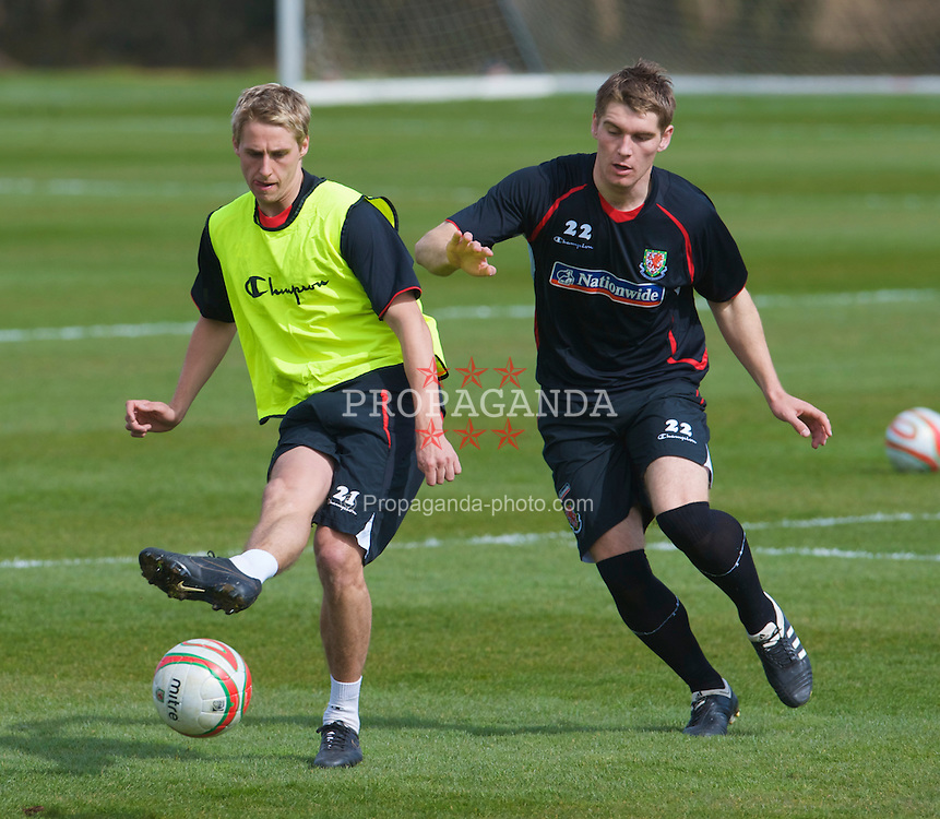 CARDIFF, WALES - Tuesday, March 24, 2009: Wales' David Edwards and Sam Vokes during training at the Vale of Glamorgan ahead of the 2010 FIFA World Cup Qualifying Group 4 match against Finland. (Pic by David Rawcliffe/Propaganda)