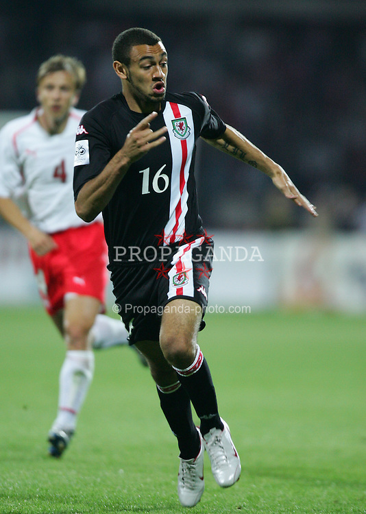 WARSAW, POLAND - WEDNESDAY, SEPTEMBER 7th, 2005: Wales' Craig Davies in action against Poland during the World Cup Group Six Qualifying match at the Legia Stadium. (Pic by David Rawcliffe/Propaganda)
