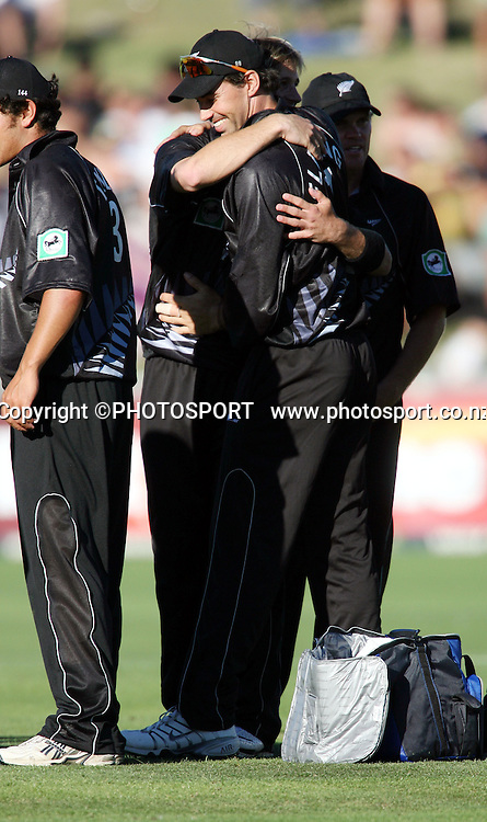 Stephen Fleming congratulates Shane Bond on a wicket during the fourth ODI cricket match between the Black Caps and West Indies at Mclean Park, Napier, New Zealand, on Wednesday 1 March 2006. Photo: John Cowpland/PHOTOSPORT