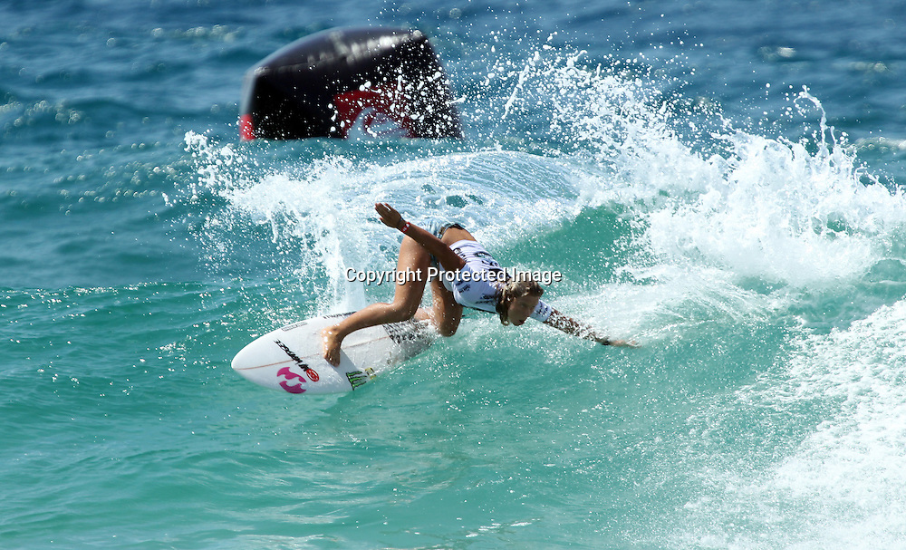 Surfing - ASP Roxy Pro - Snapper Rocks Gold Coast, Australia - 26/2/11<br /> New Zealand's Paige Hareb during her round 1 heat <br /> Photo :  Jason Obrien<br /> Livepic