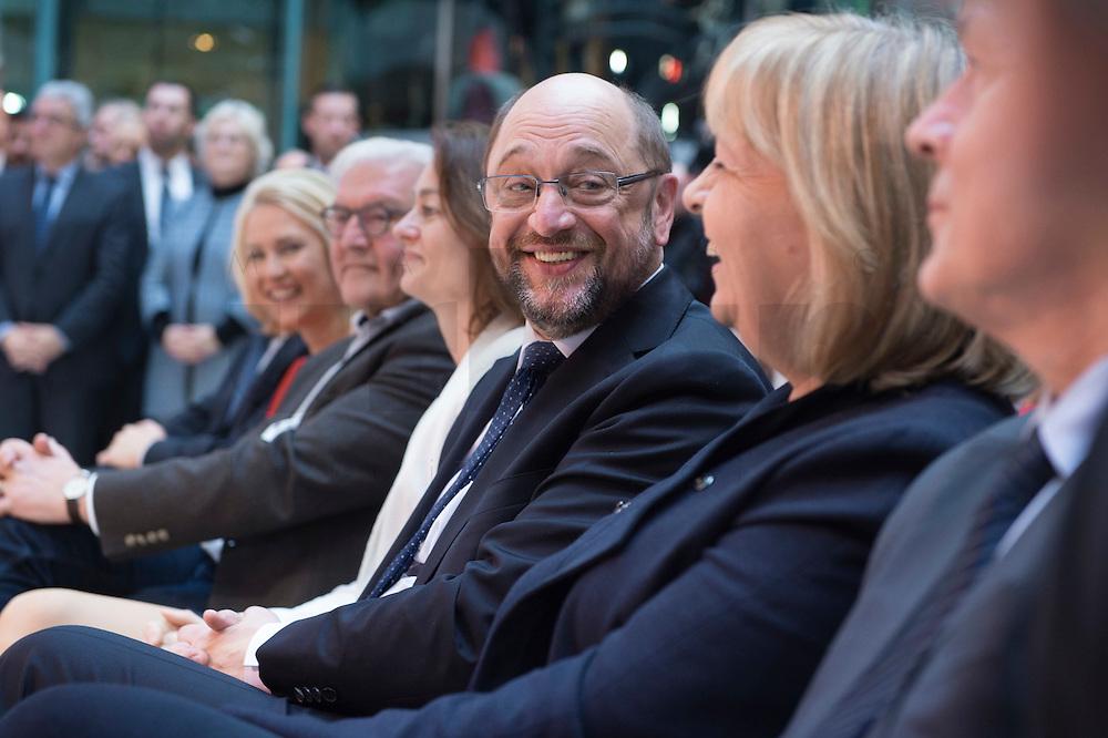 29 JAN 2016, BERLIN/GERMANY:<br /> Martin Schulz (4.v.L.), SPD, Kanzlerkandidat, in der ersten Reihe, zwischen Manuela Schwesig, Frank-Walter Steinmeier, Katarina Barley und Hannelore Kraft, (v.L.n.R.), Vorstellung von Schulz als Kanzlerkandidat der SPD zur Bundestagswahl, nach der Nominierung durch den SPD-Parteivorstand, Willy-Brandt-Haus<br /> IMAGE: 20170129-01-015<br /> KEYWORDS: freundlich