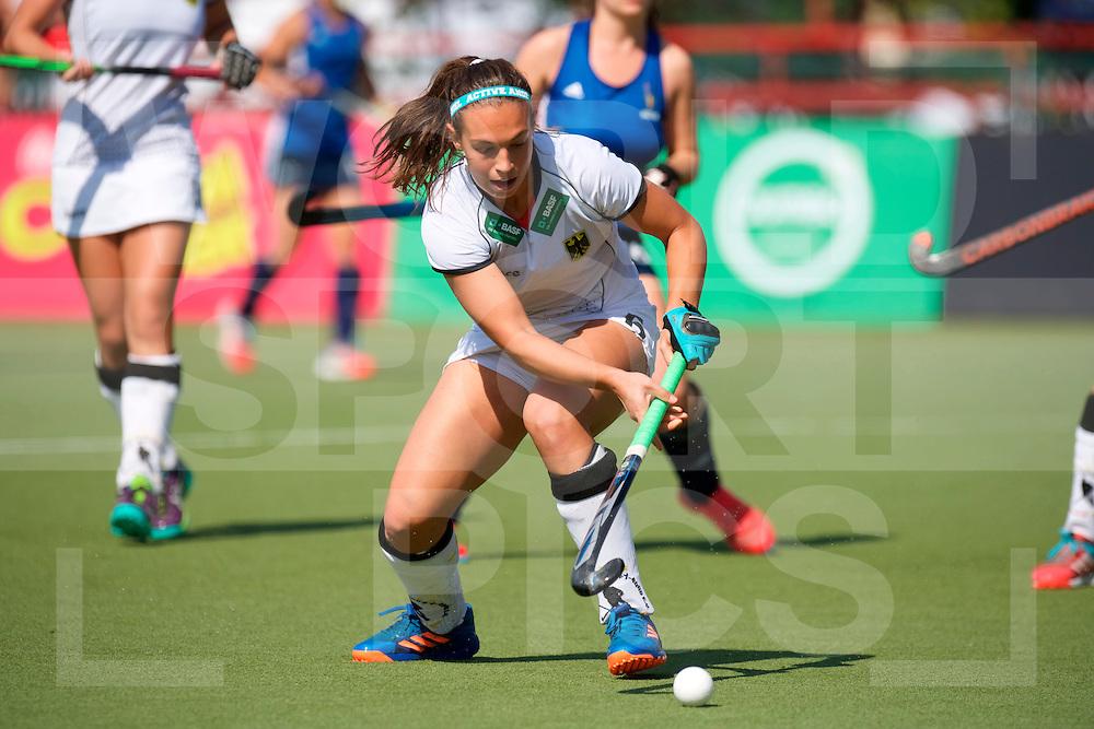 SANTIAGO - 2016 8th Women's Hockey Junior World Cup<br /> GER v FRA (Pool B)<br /> foto:  Julia Meffert <br /> FFU PRESS AGENCY COPYRIGHT FRANK