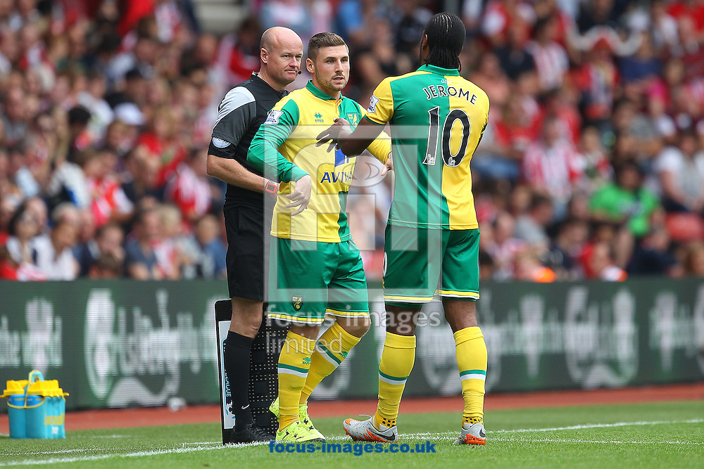 Cameron Jerome of Norwich is replaced by Gary Hooper of Norwich during the Barclays Premier League match at the St Mary's Stadium, Southampton<br /> Picture by Paul Chesterton/Focus Images Ltd +44 7904 640267<br /> 30/08/2015
