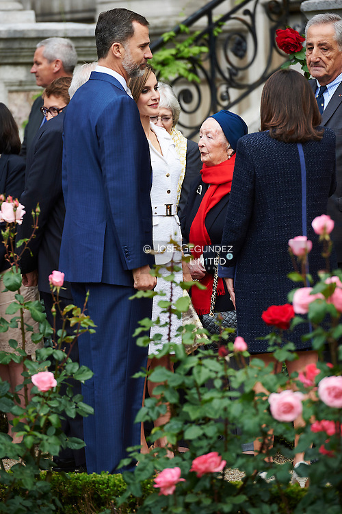 Anne Hidalgo, Major of Paris, King Felipe VI of Spain and Queen Letizia of Spain attend a Opening of 'Jardin des combattants of 'La Nueve', Spanish releasing the Villa de Paris, August 25, 1944' at Hotel de Ville on March 25, 2015 in Paris<br /> Meeting with more than 600 guests