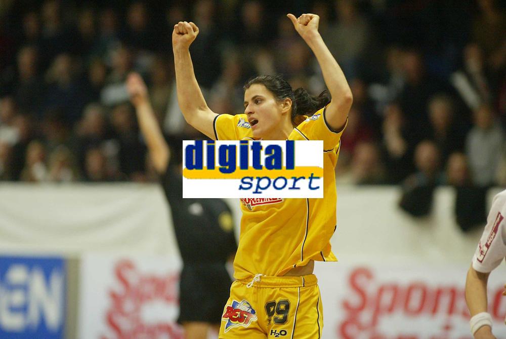 Håndball, 12. januar 2003,  Mesterligaen for kvinner , Bergslihallen , Larvik - Ikast, Narcisa Paunica, Ikast