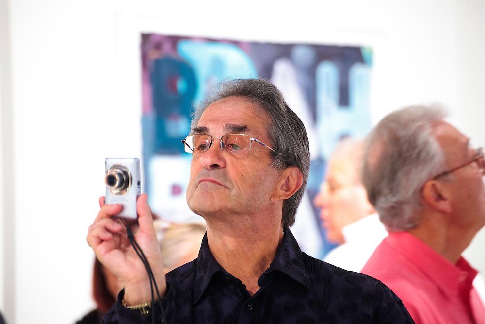 Visiter uses point-and-shoot camera at Art Basel Miami Beach 2011