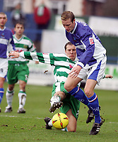Fotball<br /> England 2004/2005<br /> Foto: SBI/Digitalsport<br /> NORWAY ONLY<br /> <br /> Macclesfield Town v Yeovil Town, Macclesfield. Coca Cola League Two. 05/02/2005. <br /> <br /> Neil MacKenize gets tackled by Aaron Davies