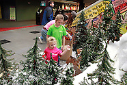 2012 - Huntington Bank Holiday Train display at the Columbus main library