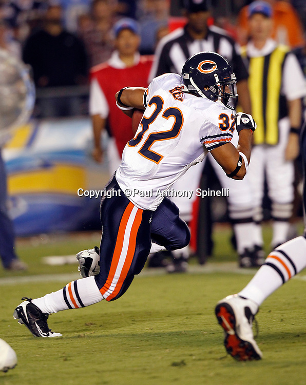 Chicago Bears running back Kahlil Bell (32) runs the ball during a NFL week 1 preseason football game against the San Diego Chargers, Saturday, August 14, 2010 in San Diego, California. The Chargers won the game 25-10. (©Paul Anthony Spinelli)
