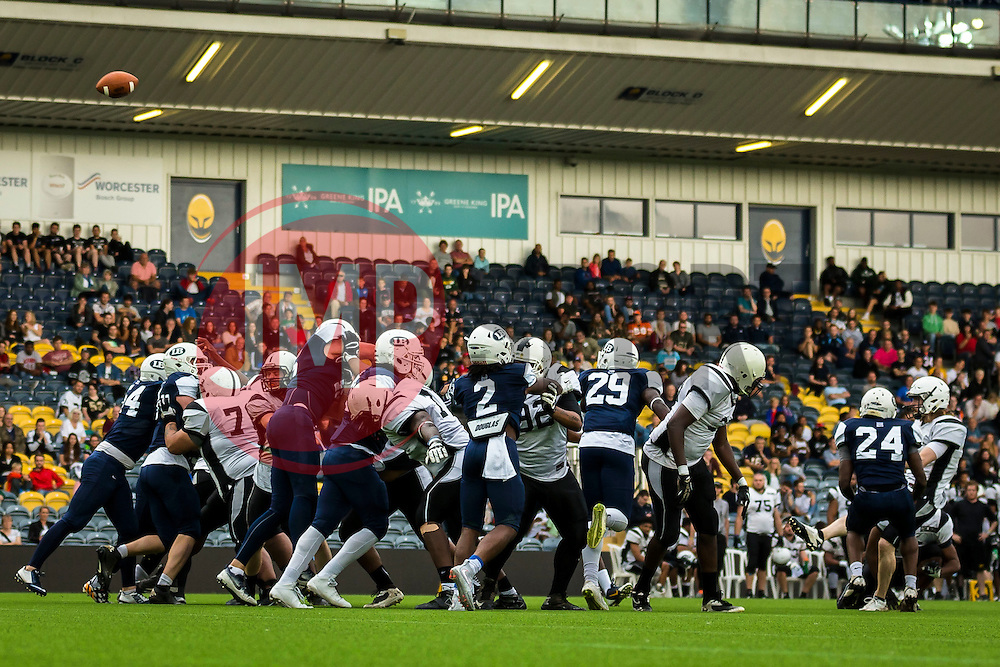 London Warriors extra point - Mandatory by-line: Jason Brown/JMP - 27/08/2016 - AMERICAN FOOTBALL - Sixways Stadium - Worcester, England - London Warriors v London Blitz - BAFA Britbowl Finals Day