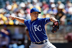 OAKLAND, CA - APRIL 17:  Kris Medlen #39 of the Kansas City Royals pitches against the Oakland Athletics during the first inning at the Oakland Coliseum on April 17, 2016 in Oakland, California. (Photo by Jason O. Watson/Getty Images) *** Local Caption *** Kris Medlen