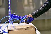 Nederland, Eindhoven, 25-10-2015De Dutch Design Week op Strijp. Een onderzoek van de tu Delft naar een robothand.Reportage van de Awards-expositie en de beurs in het Klokgebouw.FOTO: FLIP FRANSSEN/ HH