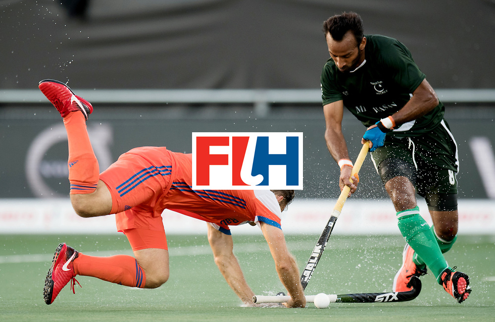 BREDA - Rabobank Hockey Champions Trophy<br /> The Netherlands - Pakistan<br /> Photo: Jeroen Hertzberger.<br /> COPYRIGHT WORLDSPORTPICS FRANK UIJLENBROEK