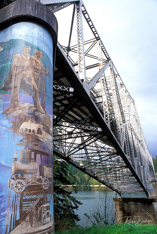 Mural of Lewis & Clark on the Bridge of the Gods, Cascades Locks, Columbia River Gorge National Scenic Area, Oregon USA