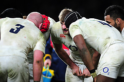 George Kruis of England speaks to his team-mates during a break in play - Mandatory byline: Patrick Khachfe/JMP - 07966 386802 - 27/02/2016 - RUGBY UNION - Twickenham Stadium - London, England - England v Ireland - RBS Six Nations.