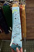 Namerikawa (Toyama Prefecture) is the capital for a lot of Firefly Squid (Hotaruika) aktivities. There you will find Merchandising products, Hotaruika Mudeum and you can make boat tours in the night to see the local fisherman catching the squit. Namerikawa, Japan | Namerikawa (Toyama-Präfektur) ist der Ausgangspunkt für viele aktivitäten rund um  den Leuchtkalmar (Hotaruika). Dort findet man Merchandising Produkte, ein Leuchtkalmar-Museum und man kann Bootstouren in der Nacht machen, um den lokalen Fischern beim Fangen des Kalmars zu zuschauen. Namerikawa, Japan
