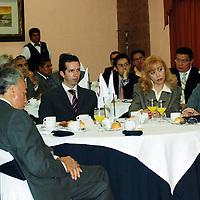 Metepec, Mex.- Empresarios del Valle de Toluca, afiliados a la Canacintra, se reunieron con el procurador General de Justicia del Estado de México, Alberto Bazbaz Sacal, para escuchar sus demandas sobre seguridad. Agencia MVT / José Hernández. (DIGITAL)<br /> <br /> <br /> <br /> NO ARCHIVAR - NO ARCHIVE