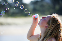 kuaotunu bubbles festival 2016 at the kuaotunu reserve coromandel photographer felicity jean photography kuaotunu photos Bubbles Festival in Kuaotunu at the reserve . Adults  drink bubbles children blow bubbles. Coromandel Photographer Felicity Jean Photography