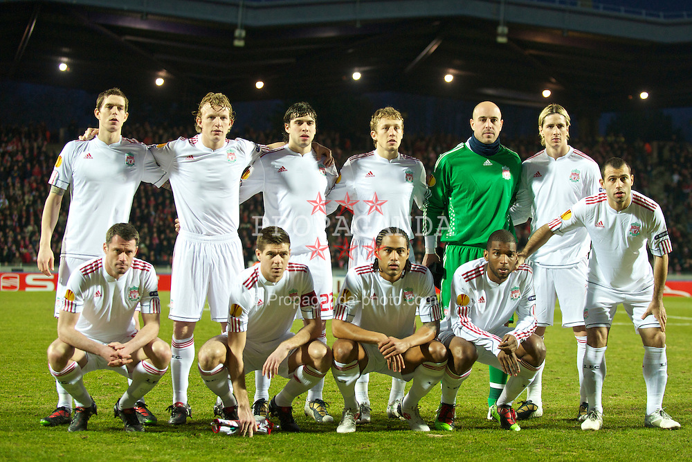 LILLE, FRANCE - Thursday, March 11, 2010: Liverpool players line-up for a team group photograph before the UEFA Europa League Round of 16 1st Leg match against LOSC Lille Metropole at the Stadium Lille-Metropole. (Photo by David Rawcliffe/Propaganda)