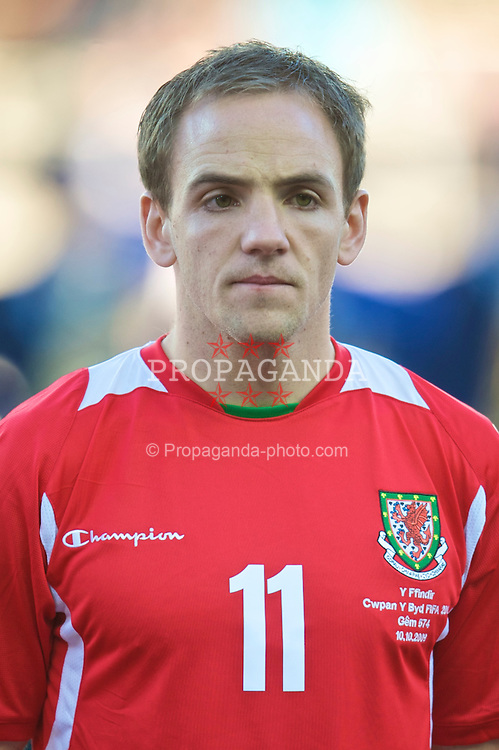 HELSINKI, FINLAND - Saturday, October 10, 2009: Wales' David Vaughan during the 2010 FIFA World Cup Qualifying Group 4 match against Finland at the Olympic Stadium. (Pic by David Rawcliffe/Propaganda)