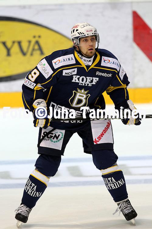 25.09.2010, Barona Areena, Espoo..J??kiekon SM-liiga 2010-11..Blues - K?rp?t..Arttu Luttinen - Blues.©Juha Tamminen.