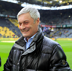 15.02.2014, Signal Iduna Park, Dortmund, GER, 1. FBL, Borussia Dortmund vs Eintracht Frankfurt, 21. Runde, im Bild Trainer Armin Veh (Eintracht Frankfurt) gut gelaunt am Lachen, Emotion, Freude, Glueck // during the German Bundesliga 21th round match between Borussia Dortmund and Eintracht Frankfurt at the Signal Iduna Park in Dortmund, Germany on 2014/02/15. EXPA Pictures © 2014, PhotoCredit: EXPA/ Eibner-Pressefoto/ Schueler<br /> <br /> *****ATTENTION - OUT of GER*****