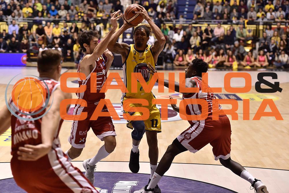 Washington Deron<br /> FIAT Torino - EA7 Emporio Armani Milano<br /> Lega Basket Serie A 2017-2018<br /> Torino 10/12/2017<br /> Foto M.Matta/Ciamillo & Castoria