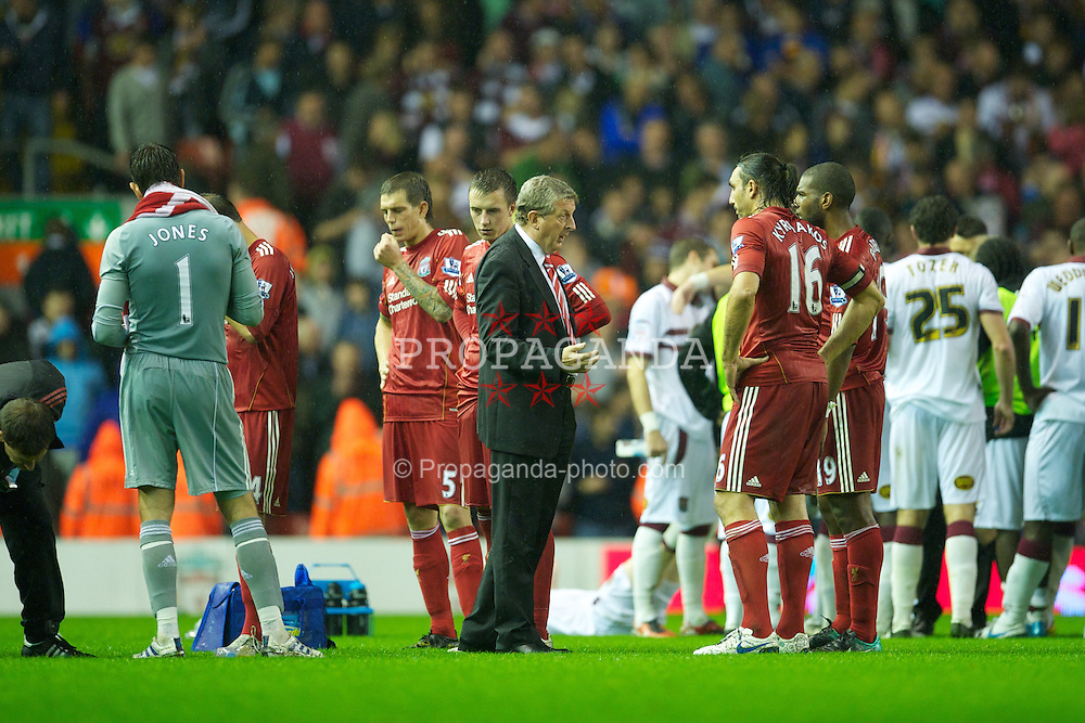 LIVERPOOL, ENGLAND - Wednesday, September 22, 2010: Liverpool's manager Roy Hodgson gives a team-talk as the match heads for extra-time during the Football League Cup 3rd Round match against Northampton Town at Anfield. (Photo by David Rawcliffe/Propaganda)