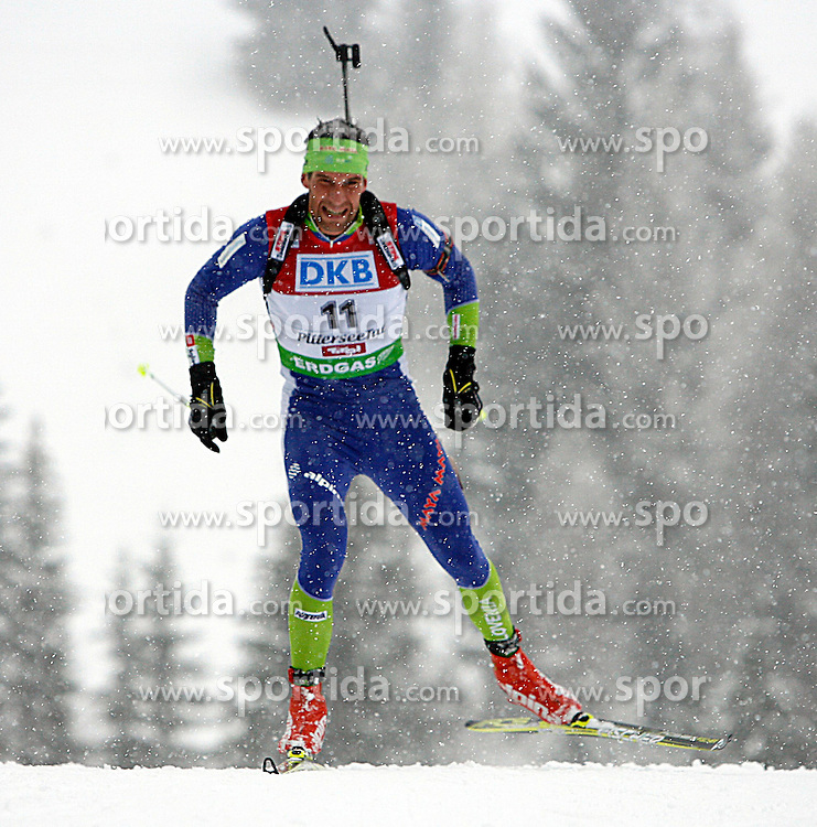 15.12.2011, Biathlonzentrum, Hochfilzen, AUT, E.ON IBU Weltcup, 3. Biathlon, Hochfilzen, Sprint Maenner, im Bild Vasja Rupnik (SLO) // during Sprint men E.ON IBU World Cup 3th Biathlon, Hochfilzen, Austria on 2011/12/15. EXPA Pictures © 2011, PhotoCredit: EXPA/ Oskar Hoeher