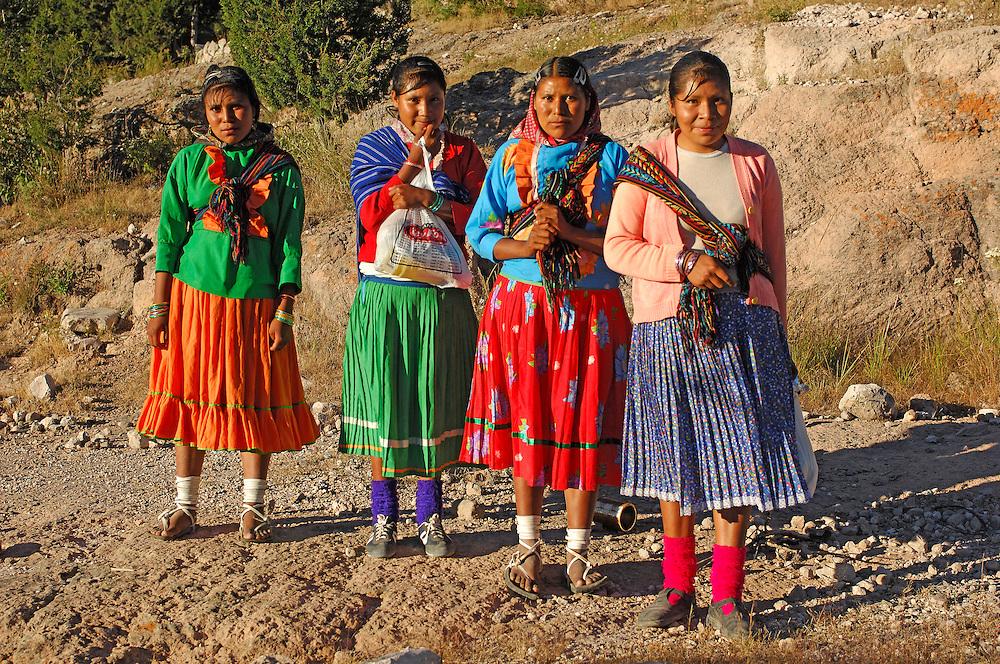 Tarahumara Indian women, near San Rafael, Copper Canyon, Chihuahua, Mexico