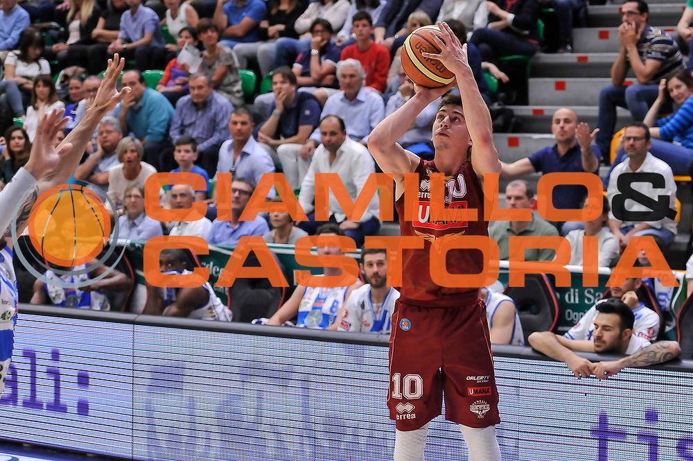 DESCRIZIONE : Campionato 2014/15 Dinamo Banco di Sardegna Sassari - Umana Reyer Venezia<br /> GIOCATORE : Michele Ruzzier<br /> CATEGORIA : Tiro Tre Punti Three Points<br /> SQUADRA : Umana Reyer Venezia<br /> EVENTO : LegaBasket Serie A Beko 2014/2015<br /> GARA : Dinamo Banco di Sardegna Sassari - Umana Reyer Venezia<br /> DATA : 03/05/2015<br /> SPORT : Pallacanestro <br /> AUTORE : Agenzia Ciamillo-Castoria/L.Canu