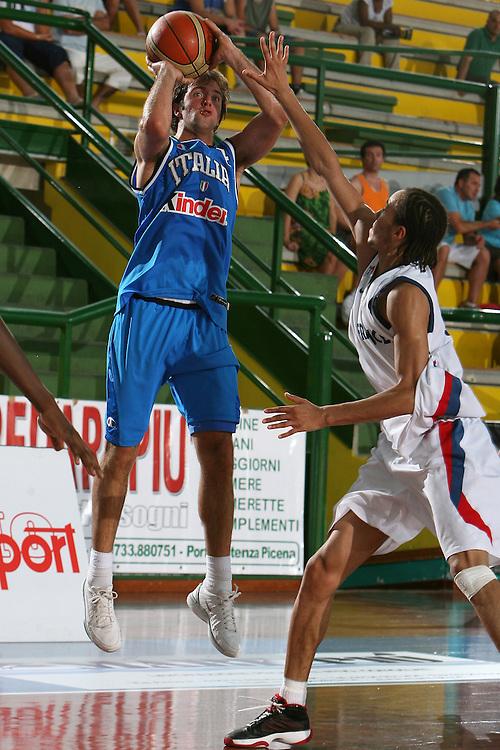 DESCRIZIONE : San Benedetto del Tronto Torneo Internazionale dell'Adriatico Italia-Francia Italy-France<br /> GIOCATORE : Cavaliero<br /> SQUADRA : Italy Italia<br /> EVENTO : San Benedetto del Tronto Torneo Internazionale dell'Adriatico Italia-Francia<br /> GARA : Italia Francia Italy France<br /> DATA : 02/07/2006 CATEGORIA : Tiro<br /> SPORT : Pallacanestro <br /> AUTORE : Agenzia Ciamillo-Castoria/E.Castoria<br /> Galleria : FIP Nazionale Italiana<br /> Fotonotizia : San Benedetto del Tronto Torneo Internazionale dell'Adriatico<br /> Predefinita :