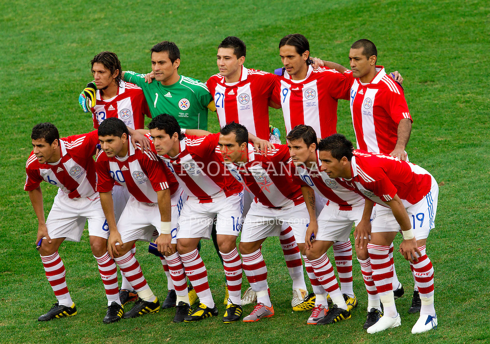 29.06.2010, Loftus Versfeld Stadium, Pretoria, RSA, FIFA WM 2010, Paraguay (PAR) vs Japan (JPN), im Bild Team of Paraguay . EXPA Pictures © 2010, PhotoCredit: EXPA/ Sportida/ Vid Ponikvar +++ Slovenia OUT +++