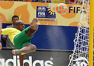 Footbal-FIFA Beach Soccer World Cup 2006 - Final- BRA xURU -Junior Neg&atilde;o  -Rio de Janeiro- Brazil - 12/11/2006.<br />Mandatory Credit: FIFA/Ricardo Ayres