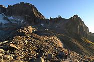 Zwei Alpinisten mit dem Gross Bielenhorn Kamel und Sidelenh&uuml;tte, Furka, Uri, Schweiz<br /> <br /> Two alpinists and the Gross Bielenhorn, Kamel and the refuge Sidelenh&uuml;tte, Furka, Uri, Switzerland