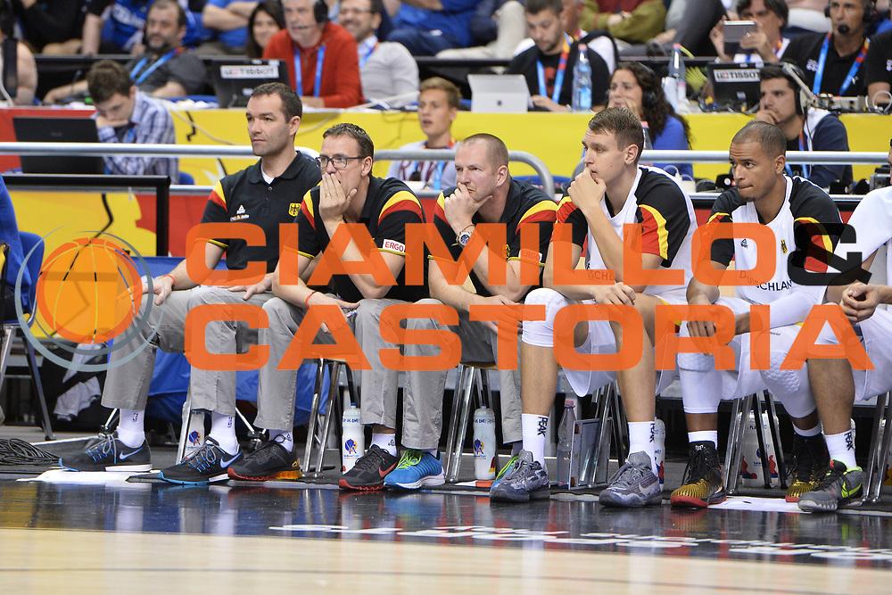 DESCRIZIONE : Berlino Berlin Eurobasket 2015 Group B Germany Spain<br /> GIOCATORE :  Germany <br /> CATEGORIA :Delusione<br /> SQUADRA :Germany <br /> EVENTO : Eurobasket 2015 Group B <br /> GARA : Germany Spain<br /> DATA : 10/09/2015 <br /> SPORT : Pallacanestro <br /> AUTORE : Agenzia Ciamillo-Castoria/I.Mancini <br /> Galleria : Eurobasket 2015 <br /> Fotonotizia : Berlino Berlin Eurobasket 2015 Group B Germany Spain