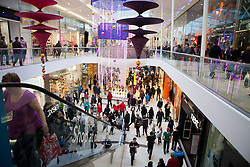 © Licensed to London News Pictures. 18/12/2011. Derby, UK. Christmas Shoppers at Westfield, Derby today 18 December 2011. Photo credit : Richard Hurn / LNP